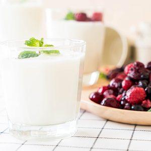 Ягодный йогурт